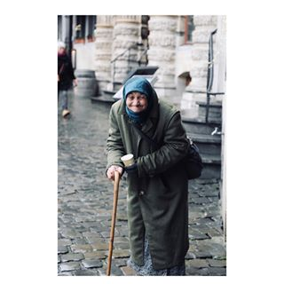 photo photography travelblogger belgium🇧🇪 lifeisbeautiful people brussels travelphotography photographer streetphotography canon travel canonphotography grandpalacebrussels belgium photooftheday