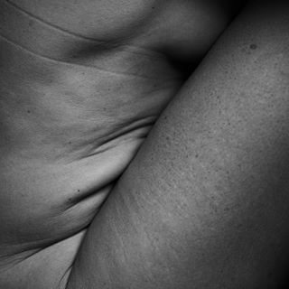 amplifyyourself artgallery artstagram beautyisallaround blackandwhiteisworththefight bodyimage bodypositive broncolor bw_awards depthobsessed empoweredwomen fallingbw femalediversity fineartphotography iamallwoman ilovemyself körper kunst münchen munich nude ourmomentum para88 photographyislifee photozine postthepeople pure_visual_ studio womeninframe
