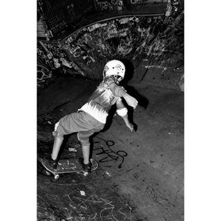 documentalphotography bnwphotography godox underground fujistas blackandwhite documentary photographer nevermindbar spain indoor bnw skater boy grunge fujifilm_xseriescommunity fujifilm streetphotography esfujifilmx bar fujifilm_street kid barcelona blackandwhitephotography skate europe photooftheday xplatform_es
