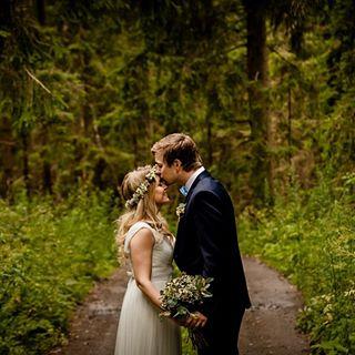 tb kokosuomi bröllopsfotografostnyland dokumentarinenhääkuvaus dokumentarfotograf helafinland hääkuvaajauusimaa
