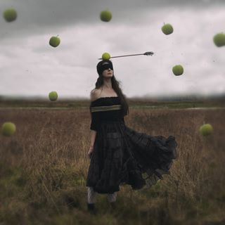 artphotography dark_beauty wonderland target valokuvaajat fineart magical fantasy self_portrait fairytales surrealism conseptualphotography adventures inspire