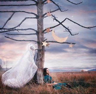 adventures fineartphotography wonderland fantasy miracle yö night valokuvaajat seikkailu magical instabeauty fairytales fairyland satu dreams fairy travel eugeniaberg stars art beauty taikka selfportrait ghost