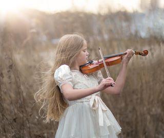 familjefotografstockholm gravidfotograf solnedgång violin violinplayer violinist lidingö sunset gravidfotografstockholm familjefotograf