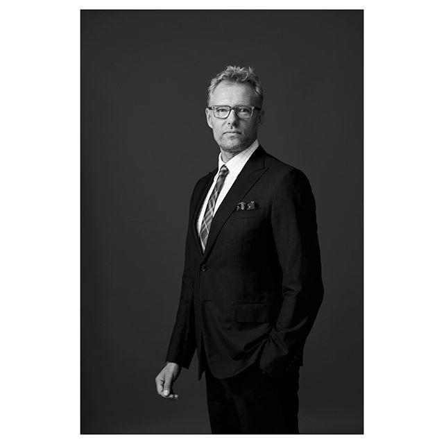 henkilökuva feltfotografiportraits muotokuva lawyer henkilökuvaustyylillä attorney portrait photographer studio