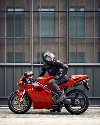 🔴 belstaff bikeexif bikeporn desmolove ducati ducati748 fastbikes gofastorgohome leica leicamp summilux superbike tamburini timeless